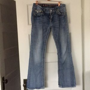 Rock revival size 30 low rise jean with detail